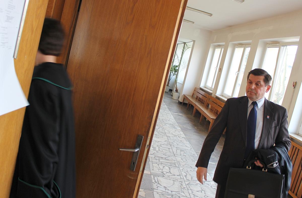 Pierwszy raz w histori Lubartowa burmistrz pozywa internatów