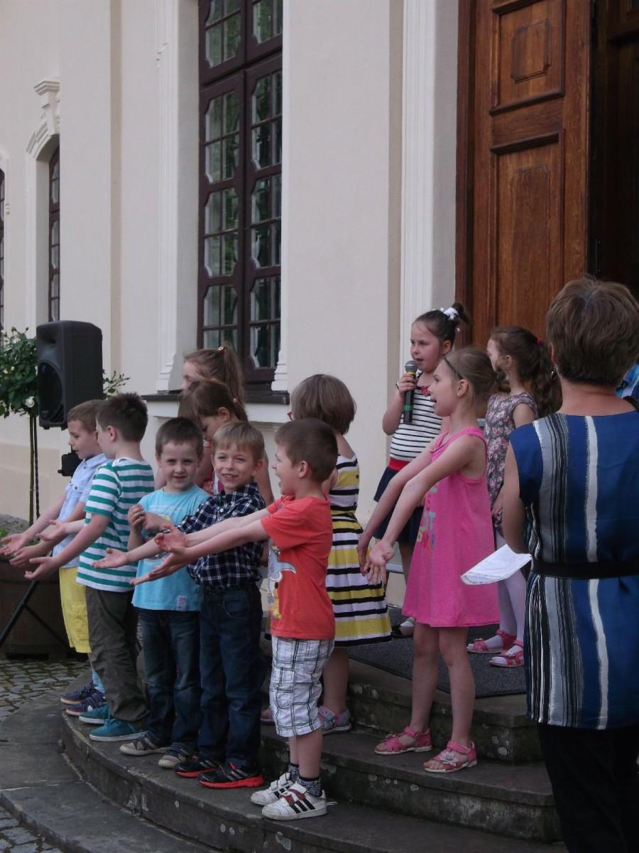 dzieci kozłówka wystawa