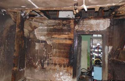 Spalone wnętrze budynku (fot. KP PSP Lubartów)