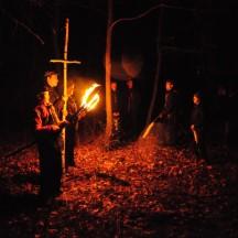 Droga Krzyżowa w lesie-16
