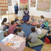 Pani Dyrektor MZK czytała bajki dla dzieci
