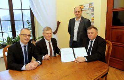 W grudniu 2017 Starostwo Powiatowe wydało pozwolenie na budowę nowej siedziby Straży Pożarnej